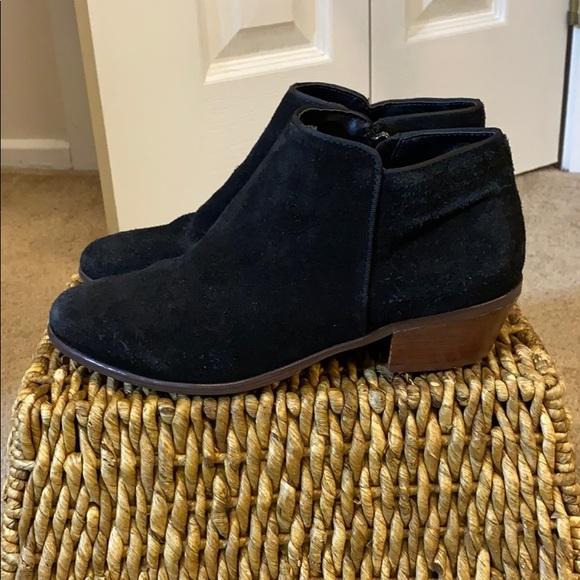 Crown Vintage Suede black booties size 7